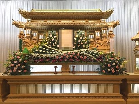 花はな様生花祭壇事例3