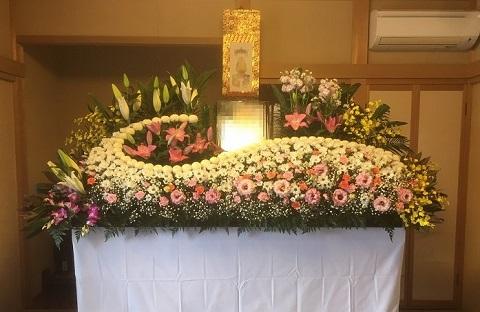花はな様生花祭壇事例4