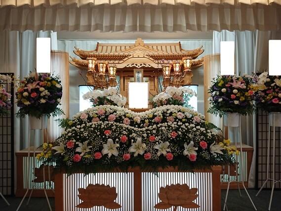 花you様 生花祭壇実例3
